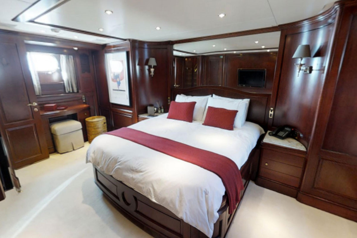 BENETTI TRADITION 100 2006